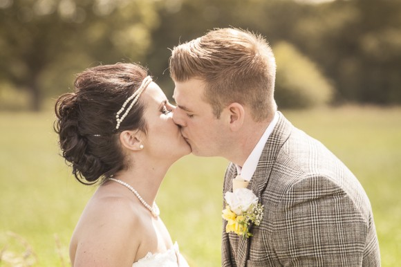 a rustic wedding at Beeston Manor (c) Arushas Images (55)