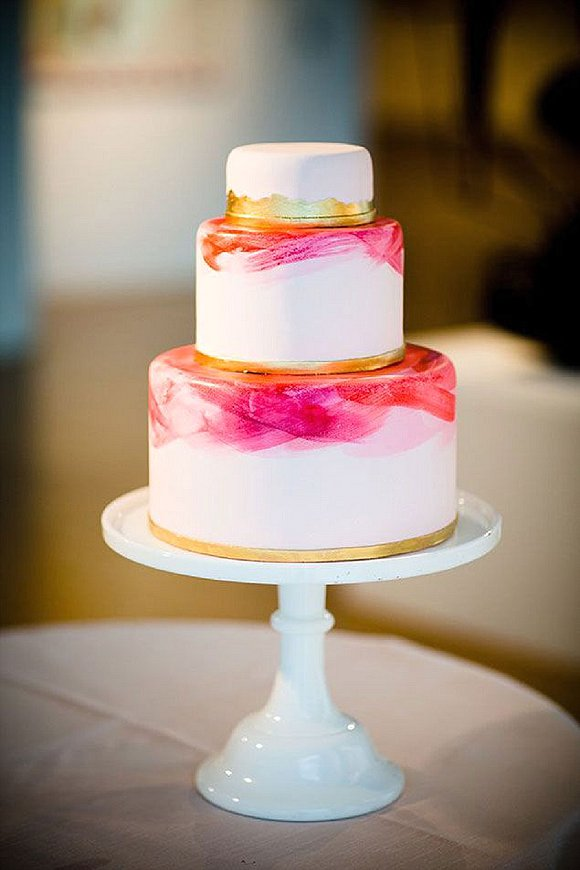 source weddingwindow.com, cake by Whipped Bake Shop