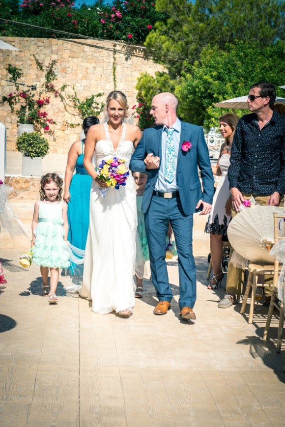 a bright & relaxed wedding in Ibiza (c) James Tracey Photography (19)