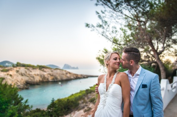 a bright & relaxed wedding in Ibiza (c) James Tracey Photography (60)