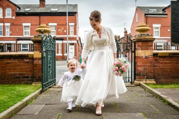 a pretty wedding at victoria baths (c) James Tracey Photography (10)