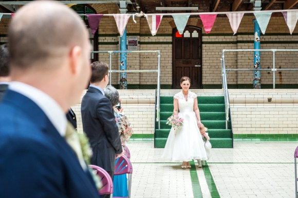 a pretty wedding at victoria baths (c) James Tracey Photography (12)
