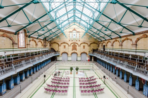 a pretty wedding at victoria baths (c) James Tracey Photography (9)