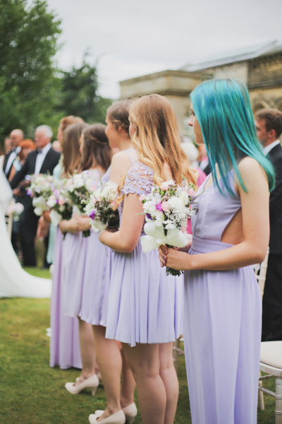 an outdoor wedding with pretty pastels at Saltmarshe Hall (c) Everthine Photography (26)