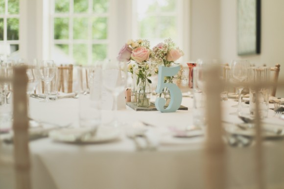 an outdoor wedding with pretty pastels at Saltmarshe Hall (c) Everthine Photography (7)