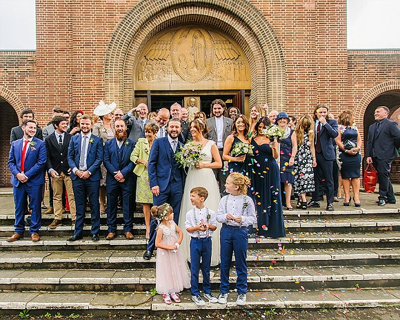 a chilled out party wedding in the Peak District (c) PH Weddings (39)
