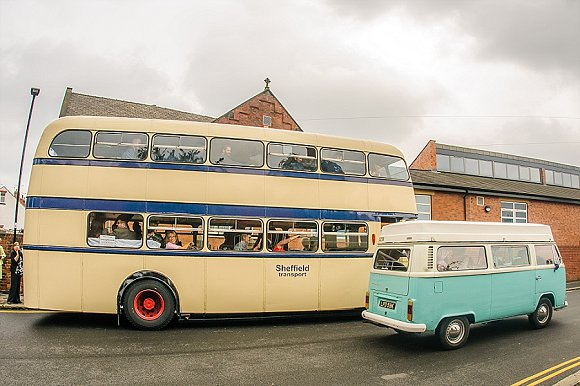 a chilled out party wedding in the Peak District (c) PH Weddings (42)