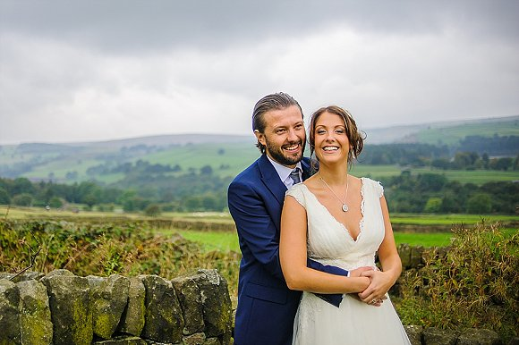 a chilled out party wedding in the Peak District (c) PH Weddings (49)