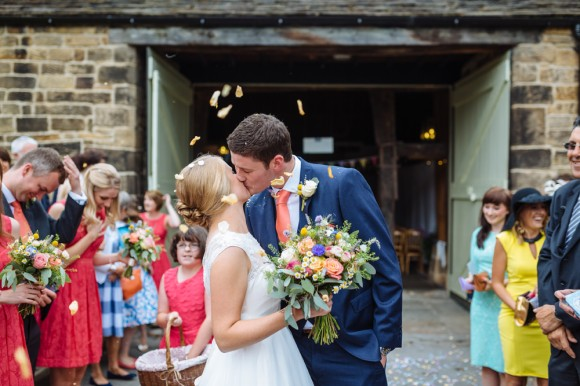 a relaxed wedding at East Riddlesden Hall (c) James and Lianne (23)