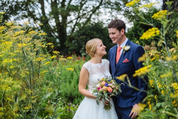 a relaxed wedding at East Riddlesden Hall (c) James and Lianne (31)