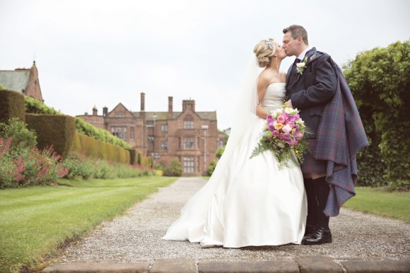 a romantic wedding at Thornton Manor (c) Elbowroom Photography (20)