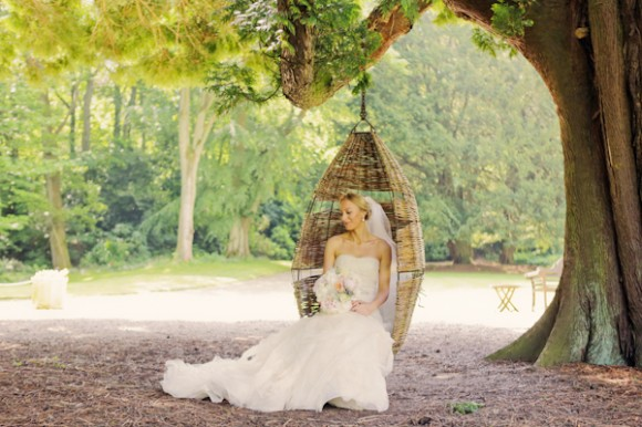 a romatic pastel wedding at Eshott Hall (c) Helen Russell Photography  (79)