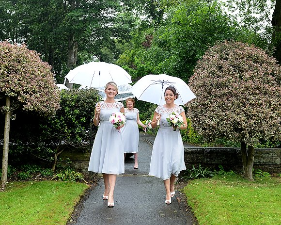 a garden wedding at Mill Granary Cottages (c) Camera A Photography (19)