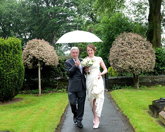a garden wedding at Mill Granary Cottages (c) Camera A Photography (20)