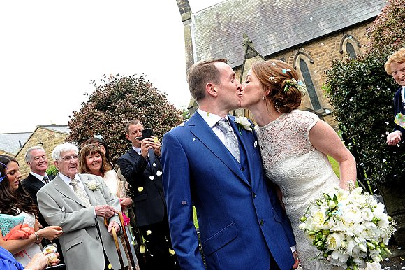 a garden wedding at Mill Granary Cottages (c) Camera A Photography (28)