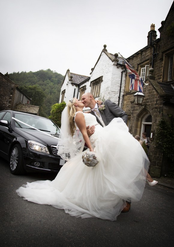 a garden wedding at The Inn At Whitewell (c) Niki Mills Photography (22)