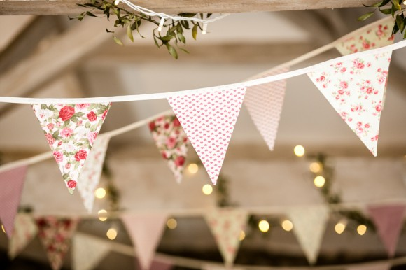 a pretty vintage style wedding at Taitlands (c) Anna Crossley Photography (33)