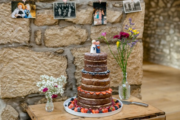 a pretty vintage style wedding at Taitlands (c) Anna Crossley Photography (55)