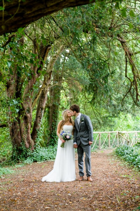 a travel themed wedding at Hodstock Priory (c) shoot-lifestyle.co (44)