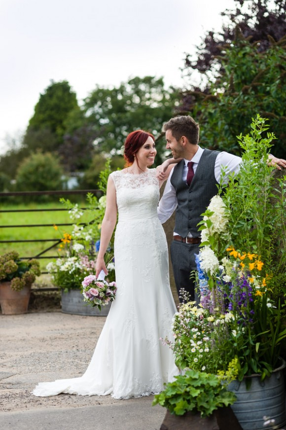 a fun farm wedding in Derbyshire (c) Shoot Lifestyle Photography (58)