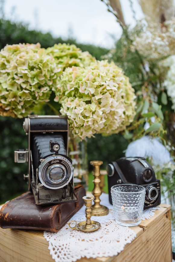 a great gatsby wedding at East Riddlesden Hall (c) James & Lianne (30)