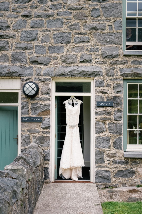 a literary wedding in North Wales (c) Daffodil Waves Photography (30)