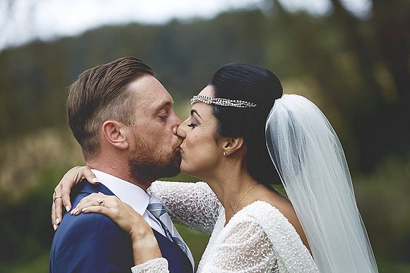 love lights. a relaxed yet glamourous tipi wedding at home – carly & louis