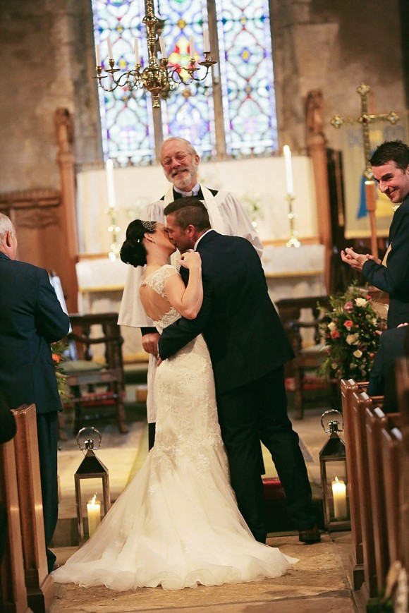 a winter wedding at Priory Cottages (c) Helen Russell Photography (19)