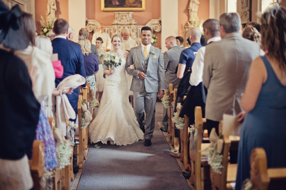 a fresh yellow wedding in the Peak District (c) Maryanne Scott Photography (14)
