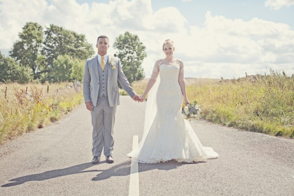 a fresh yellow wedding in the Peak District (c) Maryanne Scott Photography (18)