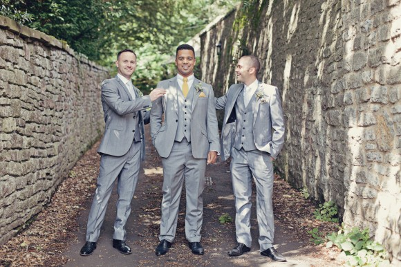 a fresh yellow wedding in the Peak District (c) Maryanne Scott Photography (5)