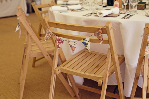 a fresh yellow wedding in the Peak District (c) Maryanne Scott Photography (62)