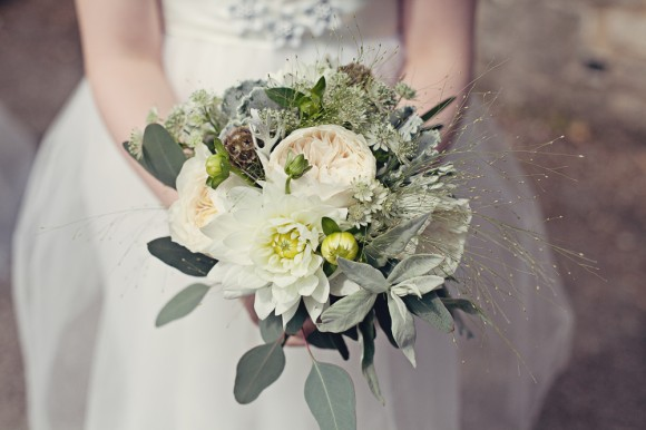 a fresh yellow wedding in the Peak District (c) Maryanne Scott Photography (9)