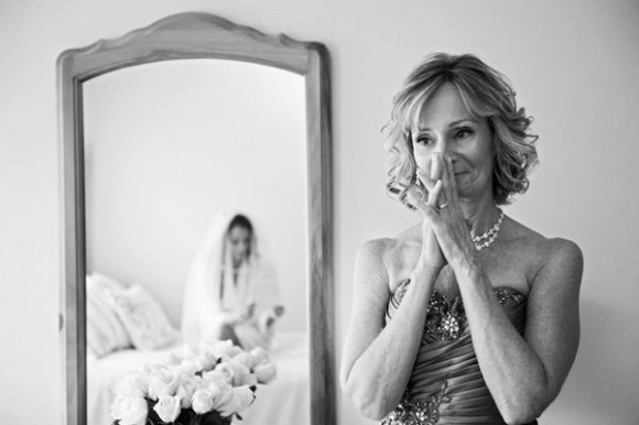 Found on bridalguide.com, photography by Lorraine Daley Wedding Photography