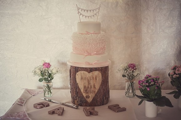 a pretty pink wedding at East Riddlesden Hall (c) Lissa Alexandra Photography (59)