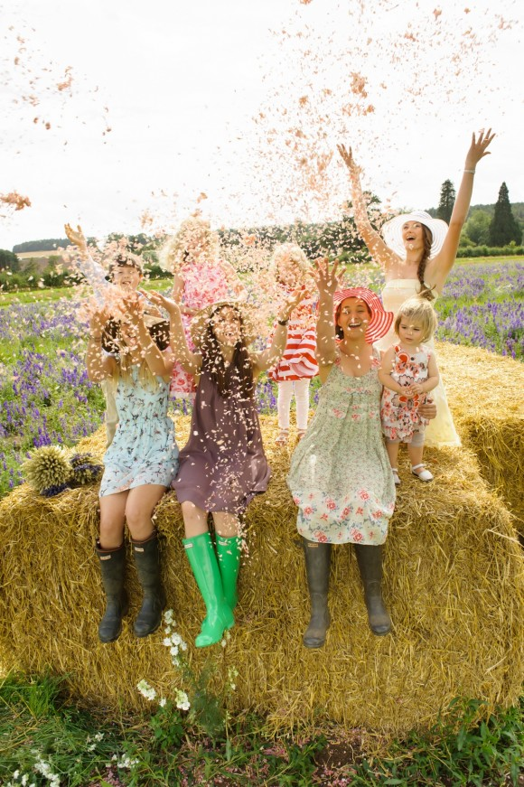 ShropshirePetals.com Girls Having Fun Confetti from £11.50 per litre (9)