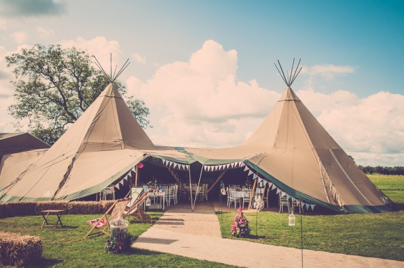 A Colourful Wedding at Hornington Manor (c) Alexandra Holt Photography (12)