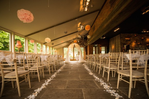 a pretty wedding at Newton Hall (c) Kyle Hassall Photography (1)