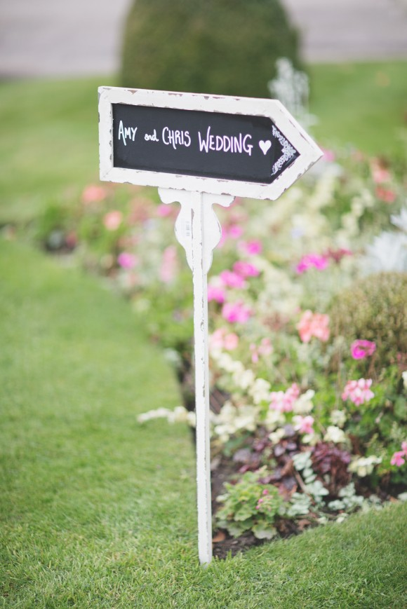 a stunning wedding at Capesthorne Hall (c) Melissa Beattie (4)