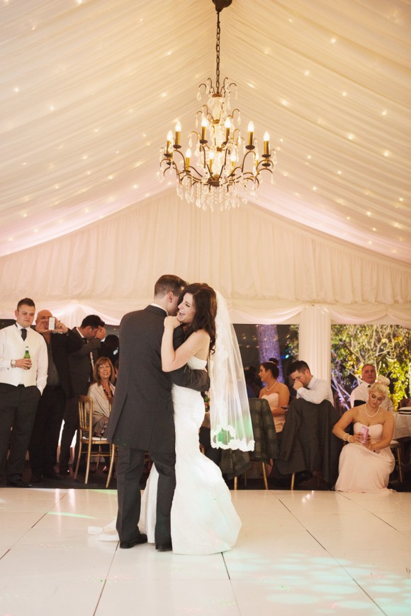 a stunning wedding at Capesthorne Hall (c) Melissa Beattie (48)