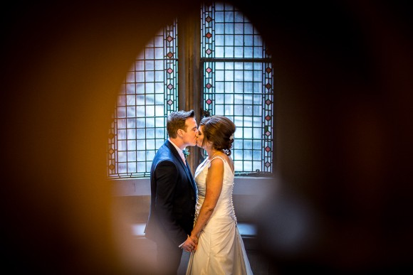 a stylish wedding at Manchester Town Hall (c) James Tracey Photography (24)