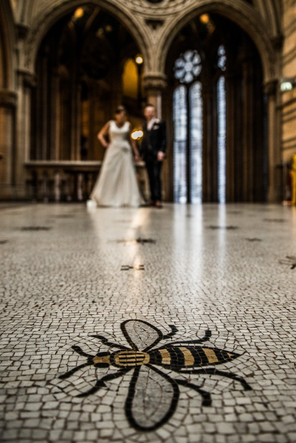 a stylish wedding at Manchester Town Hall (c) James Tracey Photography (28)