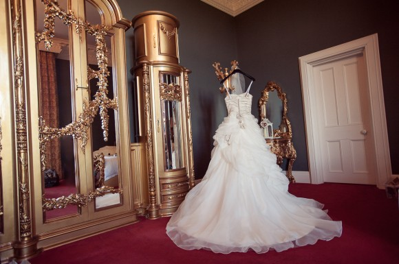 A Glam Wedding at Allerton Castle (c) Laura Calderwood Photography (2)