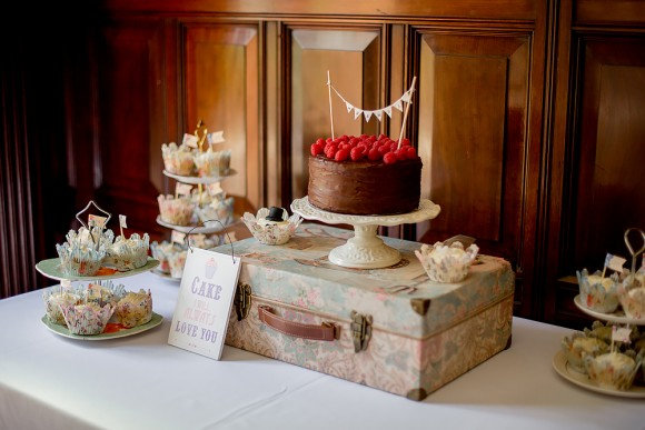 A Shabby Chic Wedding at Chester Zoo (c) Yana Photography (11)