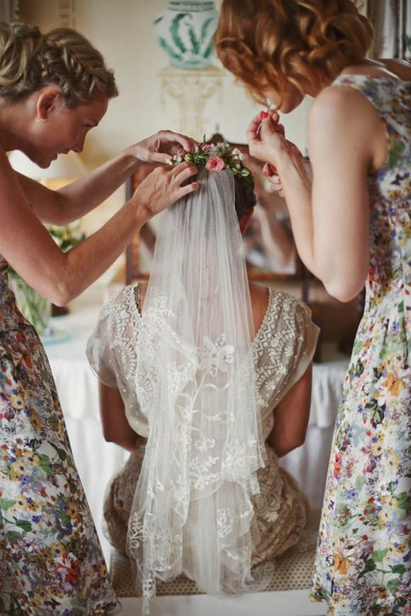 Found on colincowieweddings.com, photography by Mark Van Der Voort