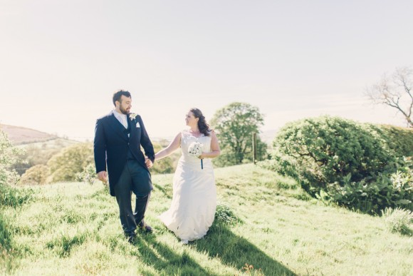 perfect day. an elegant blue wedding at the plough – laura & edward