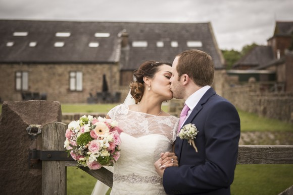 pure perfection. a classic wedding with pale pink touches at beeston manor – gillian & ashley