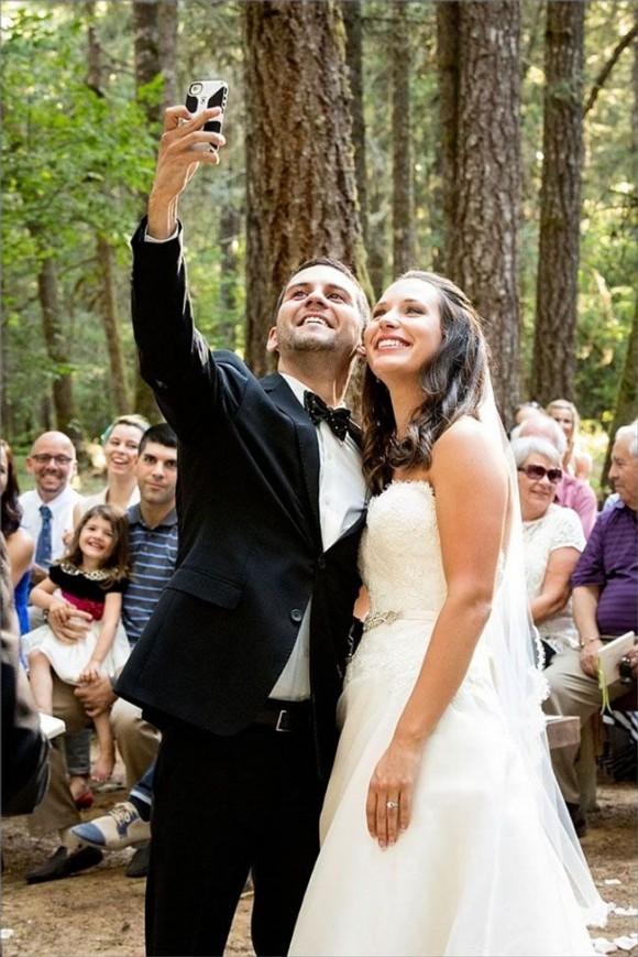 the big debate. will you having an unplugged wedding?