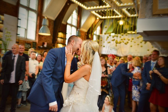 A Manchester Town Hall Wedding by Julie Fortune Photography (62)