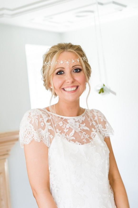 Kate Halfpenny for a relaxed wedding at Whirlowbrook Hall (c) Shoot Lifestyle Wedding Photography (26)